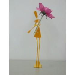 Figurine fille soliflore